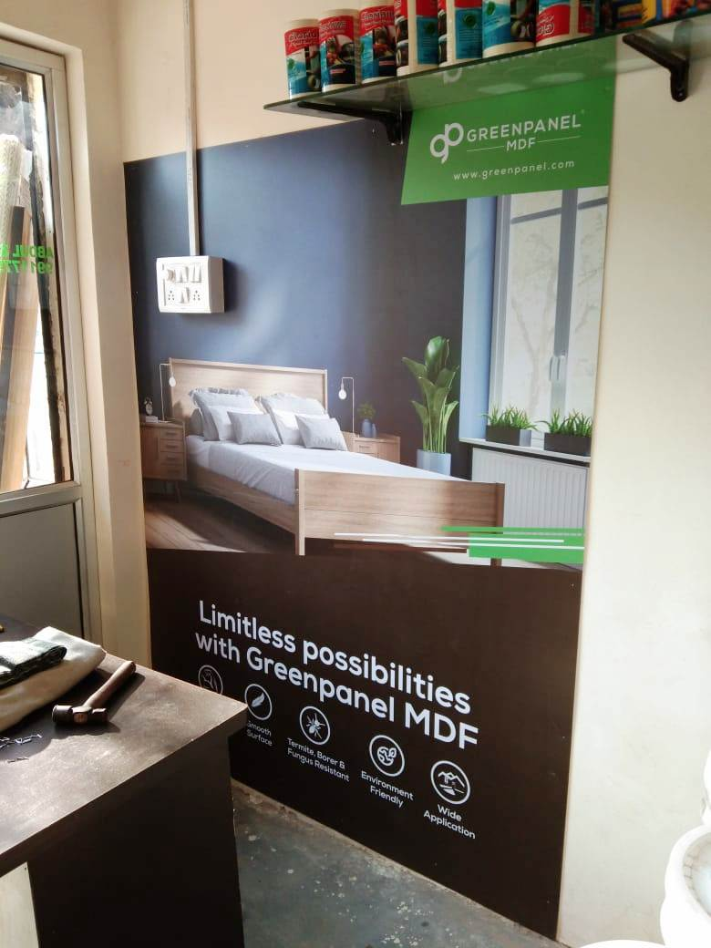 SIGNAGES & INSHOP BRANDING